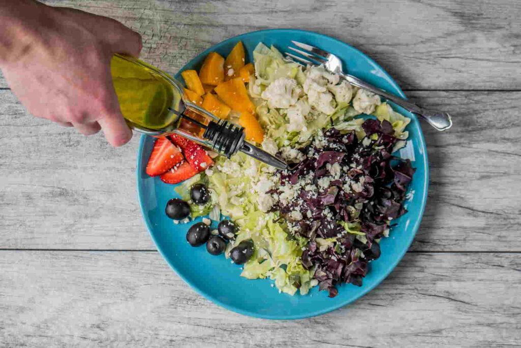 Olive oil salad dressing